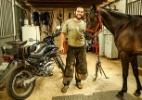 Moto rouba trabalho e faz cavalo virar bicho de estimação em SP - Infomoto