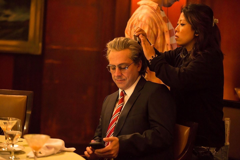 Alexandre Nero aparece de cabelos brancos caracterizado como João Carlos Martins nas gravações do filme