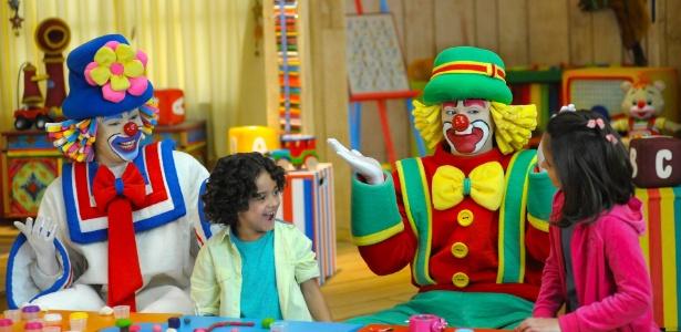 Patati e Patatá interagem com crianças em infantil que será exibido pelo SBT em 26 episódios