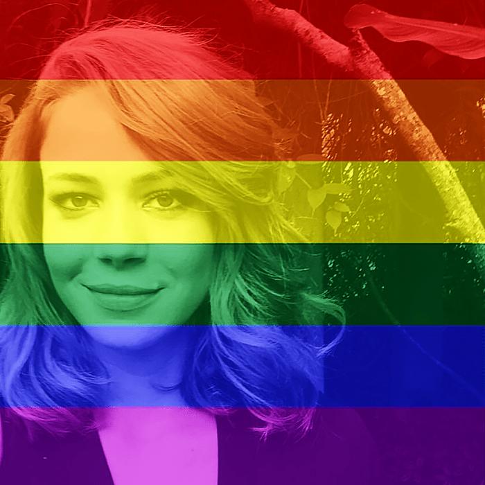 26.jun.2015- Leandra Leal adere a campanha e comemora a decisão da Suprema Corte dos Estados Unidos: