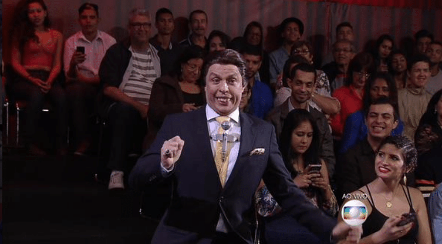 18.out.2015 - Silvio Santos e Lombardi participam do