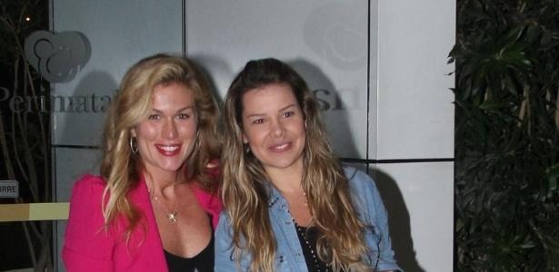 25.mai.2013 - Ludmila Dayer e Fernanda Souza visitaram Samara Felippo na maternidade Perinatal, zona oeste do Rio. A atriz deu à luz Lara