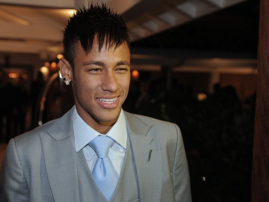 25.maio.2013 - Neymar prestigiou o casamento do jogador Paulo Henrique Ganso em Caraguatatuba, litoral de São Paulo