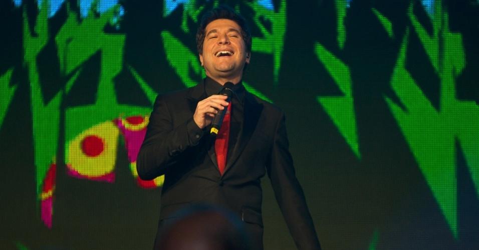 28.mai.2013 - Daniel canta na festa de 50 anos de Xuxa, em hotel de São Paulo