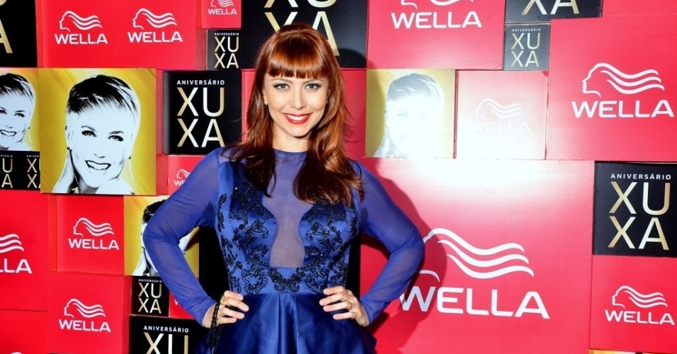28.mai.2013- Simone Soares fez questão de marcar presença na festa de 50 anos de Xuxa. A atriz disse que é apaixonada pela rainha dos baixinhos.