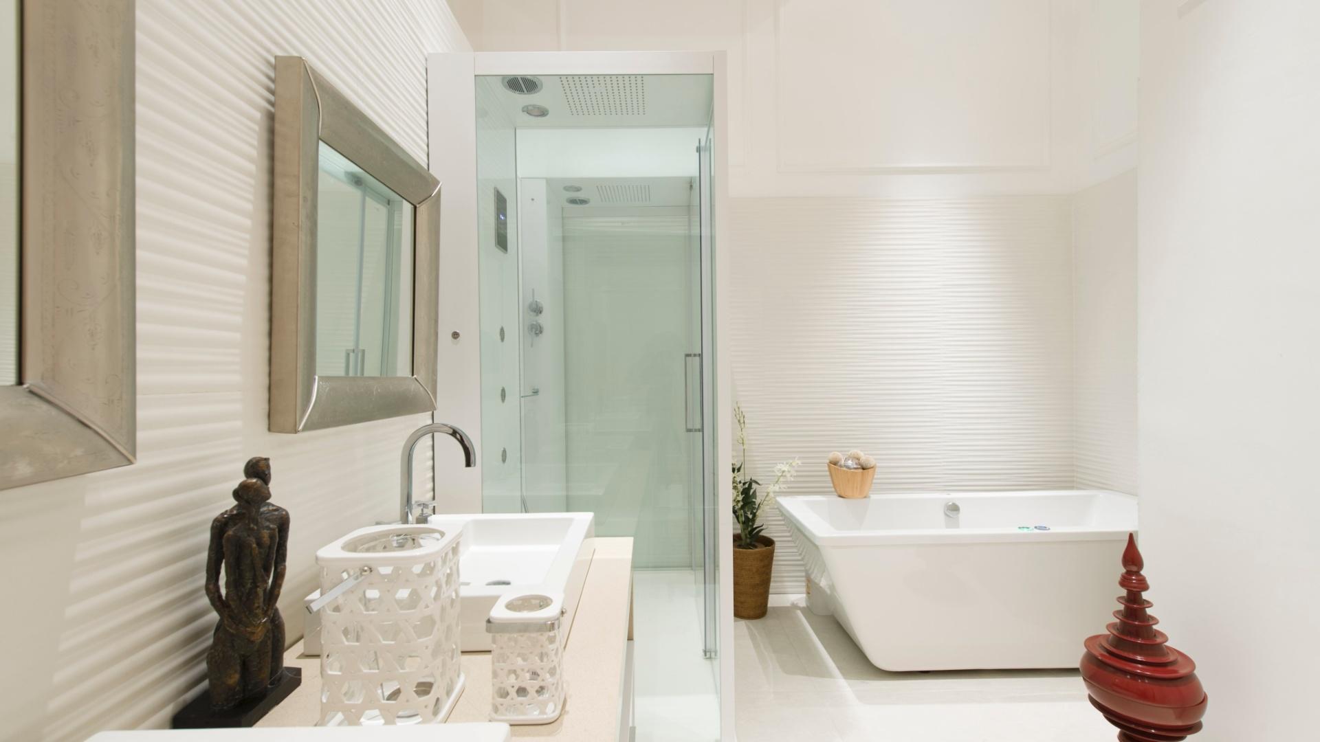 Banheiros Casa E Decora C3 A7 C3 A3o UOL Mulher #6E3F2D 1920x1080 Banheiro Da Suite Do Casal