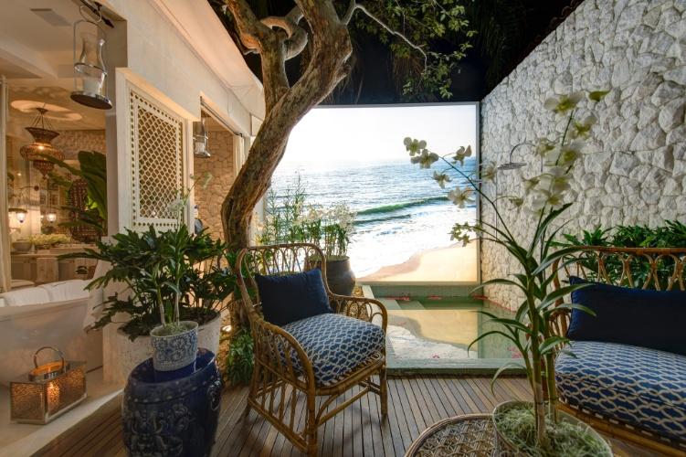 De atmosfera praiana, a área de relaxamento no Espaço Deca, projetado pelo arquiteto Sig Bergamin em seu retorno à mostra após sete anos de ausência. A 27ª Casa Cor SP segue até dia 21 de julho de 2013, no Jockey Club de São Paulo