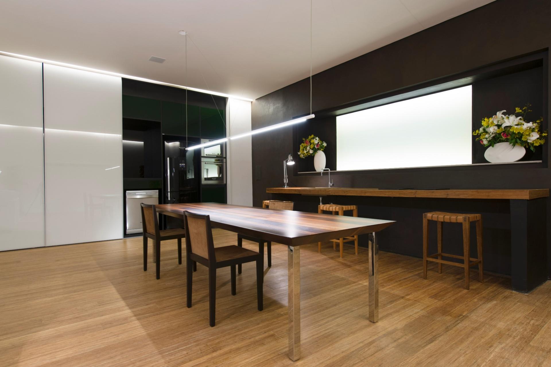 O Espaço Minimal é de autoria da arquiteta Rosa May Sampaio. A 27ª Casa Cor SP segue até dia 21 de julho de 2013, no Jockey Club de São Paulo