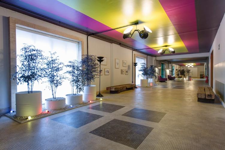 O Hall dos Lofts, desenhado pelo escritório de arquitetura Arkitito. A 27ª Casa Cor SP segue até dia 21 de julho de 2013, no Jockey Club de São Paulo