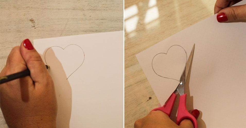 Agora você vai desenhar, à mão livre, na folha branca, quatro corações de tamanhos diferentes. Um com mais ou menos 3 cm na parte mais larga e os demais com 4, 5 e 6 cm, respectivamente. Recorte-os um a um