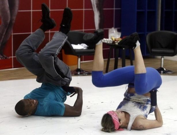 """No """"Dança dos Famosos"""", atriz Luana Piovani faz """"quadradinho de oito"""""""