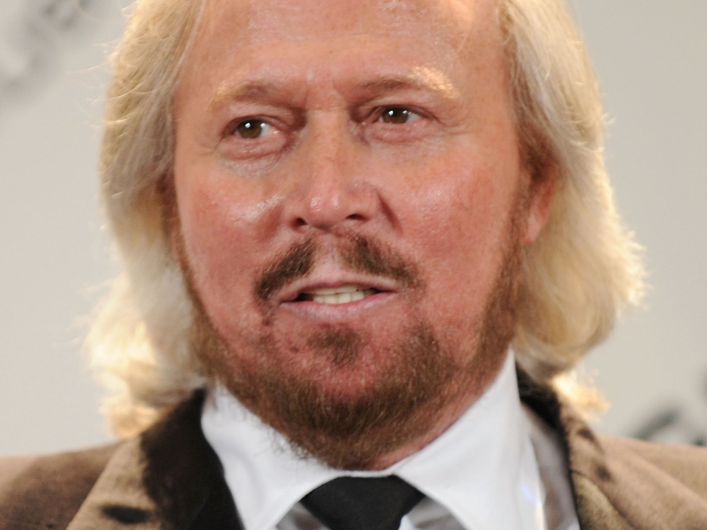 15.mar.2010 - O músico Barry Gibb, do Bee Gees, durante cerimônia do Rock And Roll Hall of Fame em Nova York, nos Estados Unidos