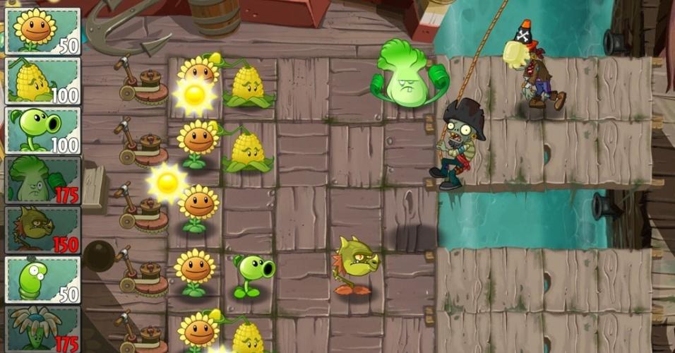 """Ao invés do quintal, o cenário de """"Plants vs. Zombies 2"""" pode ser um navio pirata."""