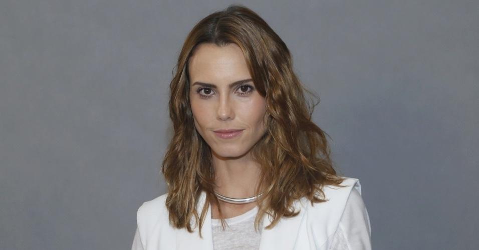 """4.jun.2013 - Lívia de Bueno, que estrelou os filmes """"Malu de Bicicleta"""" (2010), """"O Homem do Futuro"""" (2011) e """"Paraísos Artificiais"""" (2012), estará em """"Saramandaia"""""""