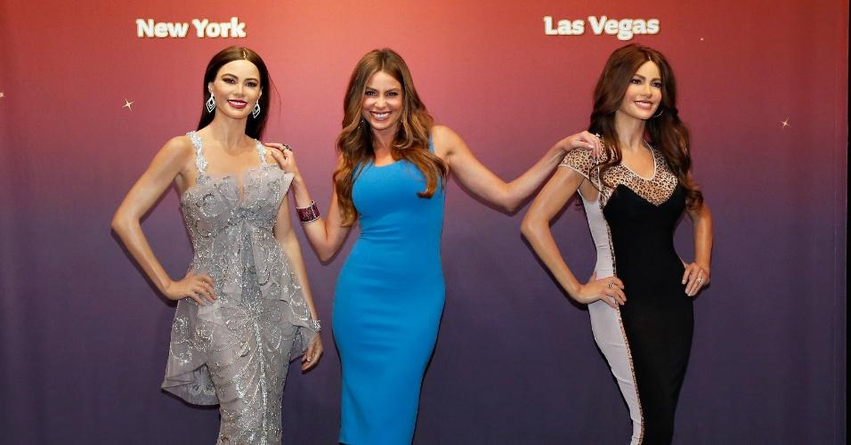 4.jun.2013 - A atriz Sofia Vergara ganha duas estátuas de cera do museu Madame Tussauds. A estátua da esquerda ficará exposta em Nova York e a segunda, em Las Vegas