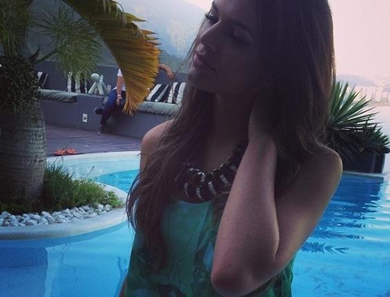 06.jun.2013 - Depois de viagem a Barcelona, Bruna Marquezine volta ao trabalho
