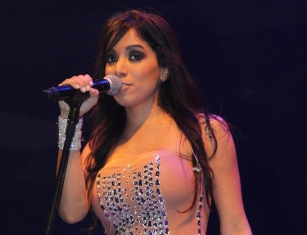 """5.jun.2013 - Anitta faz show em São Paulo, no Villa Mix. No show, a cantora abusa das coreografias e do rebolado. No repertório, covers de outros artistas e seu maior sucesso, """"Show das Poderosas"""""""