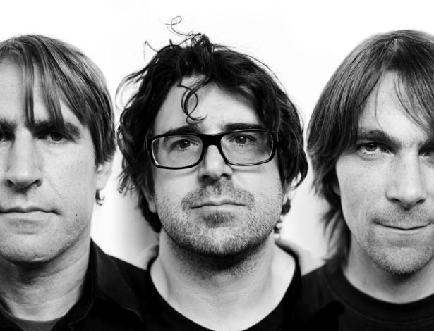 Bob D'Amico, Lou Barlow e Jason Loewenstein, formação atual do Sebadoh. Banda é atração do Abril Pro Rock 2014
