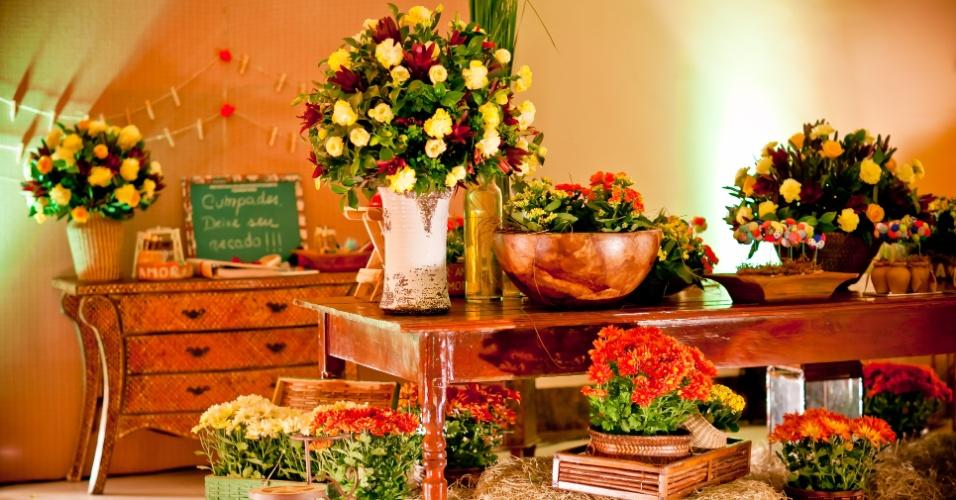Decoração do casamento de Luiza Delise Martins & Leonardo Gurgel inspirada em festa junina. O casamento para aproximadamente 250 convidados foi realizado em Fortaleza (CE) em junho de 2012