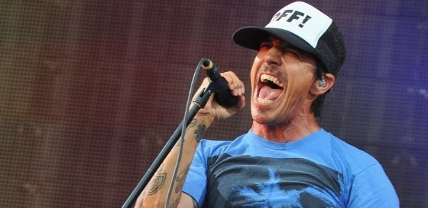 A banda Red Hot Chili Peppers, liderada pelo vocalista Anthony Kiedis, se apresenta na Arena Anhembi no dia 7 de novembro