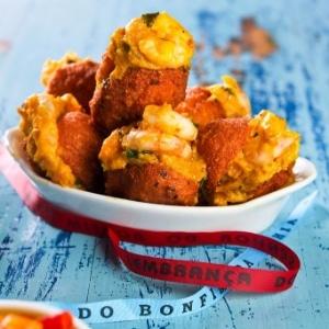 Ícone da culinária baiana, o acarajé é um bolinho de feijão-fradinho recheado com camarão e vatapá