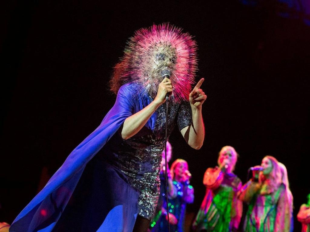 11.junho.2013 - A cantora Björk fez um show de seu novo álbum