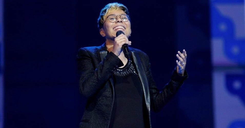 12.jun.2013 - Maria Gadú canta no 24º Prêmio da Música Brasileira, no Theatro Municipal do Rio de Janeiro