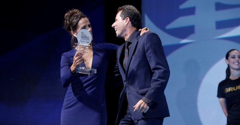 """12.jun.2013 - Tony Bellotto no 24º Prêmio da Música Brasileira, no Theatro Municipal do Rio de Janeiro. A banda Titãs foi premiada por """"Cabeça Dinossauro Ao Vivo 2012"""""""