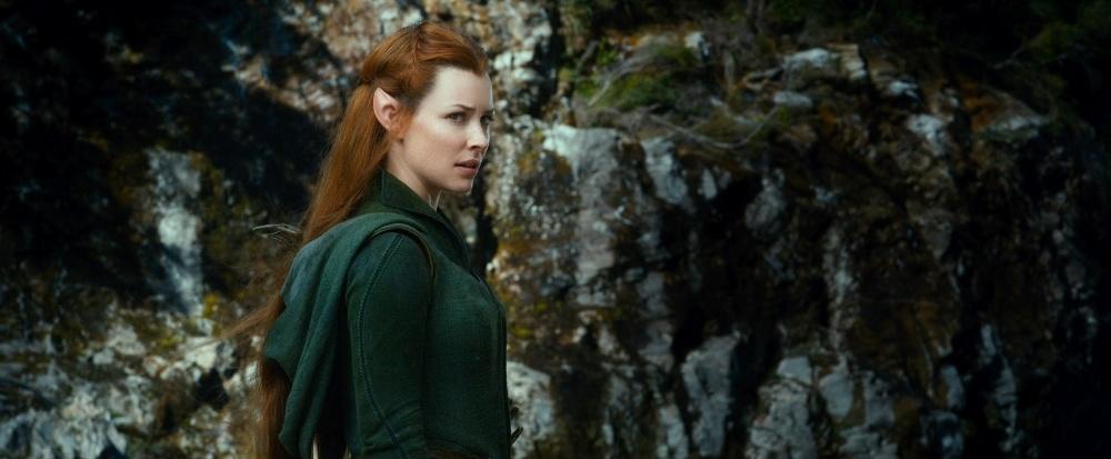 A elfa Tauriel, interpretada pela atriz Evangeline Lilly, em cena do filme