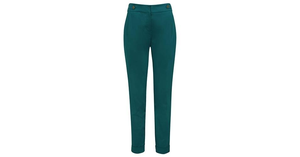 Calça social verde; R$ 89,90, na Renner (www.lojasrenner.com.br) Preço pesquisado em junho de 2013 e sujeito a alterações