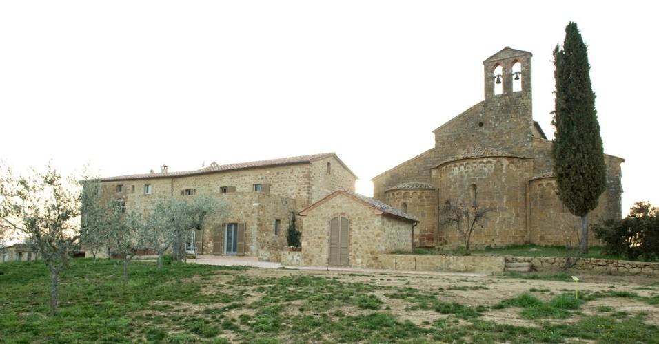 decoracao de interiores estilo art deco:Casa na Toscana tem fachada medieval e interiores modernos – Casa e