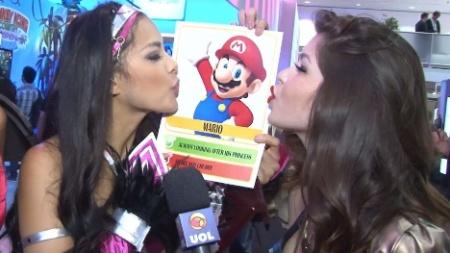 Parece que as booth babes da E3 gostaram da ideia de namorar o Super Mario