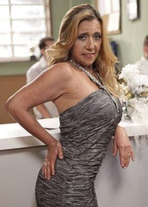 """... Cadillac grava participação em """"Amor à Vida"""" e diz ser """"canastrona"""