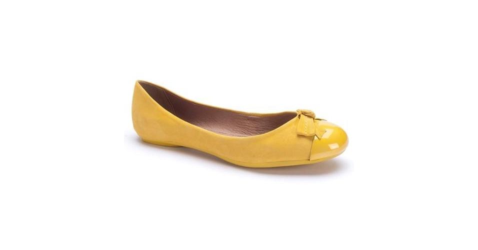 Sapatilha amarela com detalhe de laço; R$ 56,90, da Boterro no Calçados Online (www.calçadosonline.com.br) Preço pesquisado em junho de 2013 e sujeito a alterações