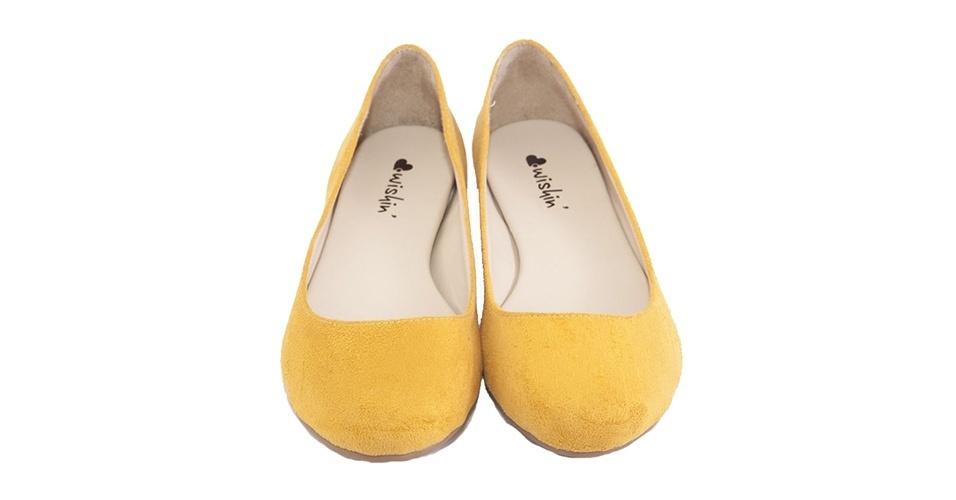 Sapatilha amarela; R$ 79, da Wishin na Tanlup (www.tanlup.com.br) Preço pesquisado em junho de 2013 e sujeito a alterações