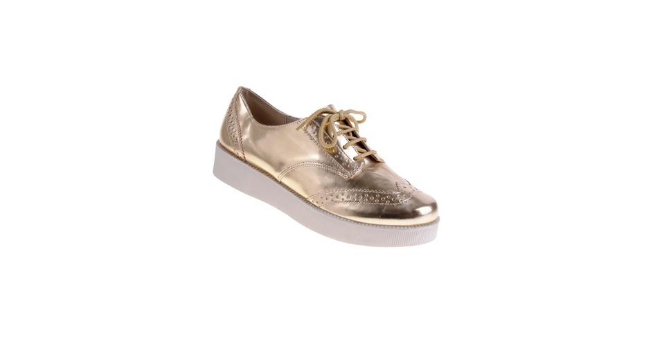 Sapato dourado modelo creeper; R$ 99,90, na C&A (www.cea.com.br) Preço pesquisado em junho de 2013 e sujeito a alterações