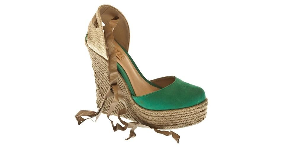 Sapato tipo spadrille; R$ 159,90, na Schutz (www.schutz.com.br) Preço pesquisado em junho de 2013 e sujeito a alterações