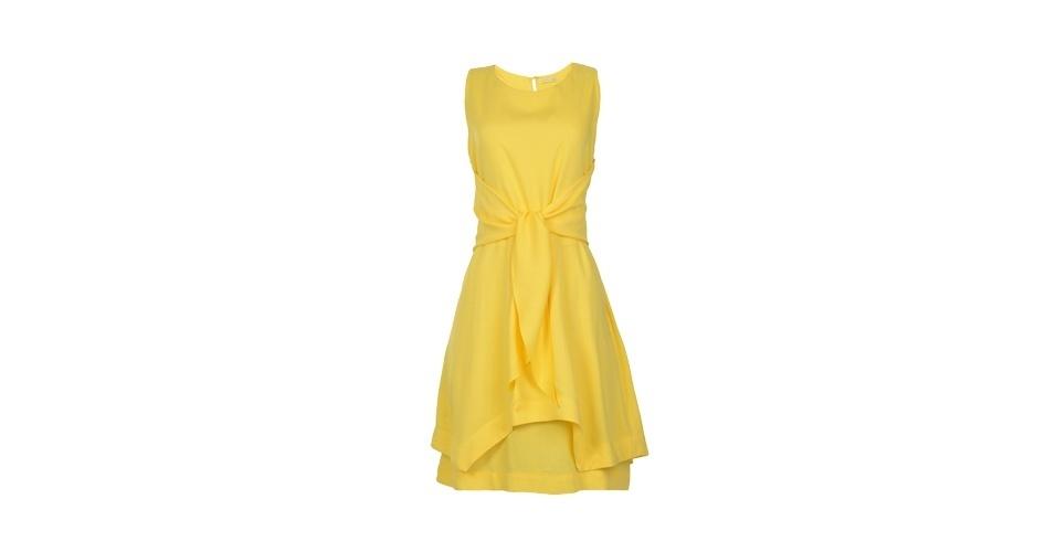 Vestido amarelo com amarração; R$ 129, de Isabela Giobbi para C&A (www.cea.com.br) Preço pesquisado em junho de 2013 e sujeito a alterações