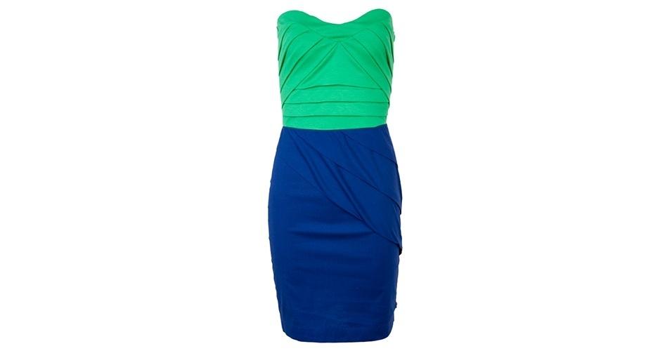 Vestido bicolor tomara-que-caia; R$ 214,50, da Coca-Cola Clothing na Dafiti (www.dafiti.com.br) Preço pesquisado em junho de 2013 e sujeito a alterações