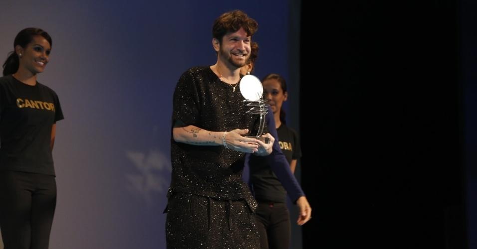 12.jun.2013 - Banda Eva, antiga banda de Saulo, venceu a categoria melhor grupo no 24º Prêmio da Música Brasileira no Theatro Municipal do Rio de Janeiro