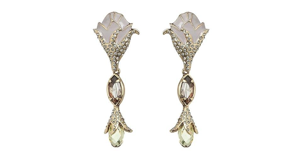 Brinco em ouro velho e cristal austríaco; R$ 494, da Camila Klein, na 21Fashion (www.21fashion.com.br)