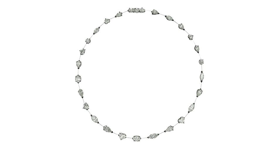 Colar com diamantes; R$ 270.000, na Jack Vartanian (www.jackvartanian.com). Preço pesquisado em junho de 2013 e sujeito a alterações