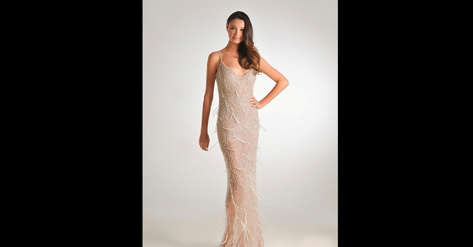Vestido longo; R$ 5.368, na Fabiana Milazzo (www.fabianamilazzo.com.br). Preço pesquisado em junho de 2013 e sujeito a alterações