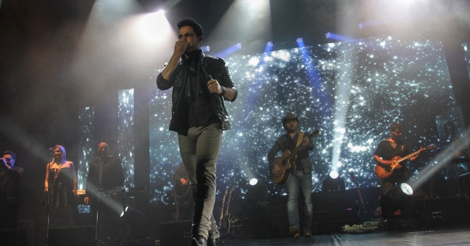 14.jun.2013 - A dupla sertaneja veterana com 22 anos de carreira se apresenta com as músicas de sua nova turnê,