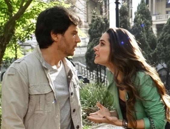 """Em """"Amor à Vida"""", Leila sugere que Thales dê golpe em Nicole"""
