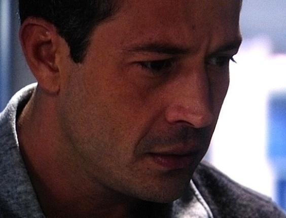 18.jun.2013 - Paloma não gosta da visita de Bruno no CTI após o transplante