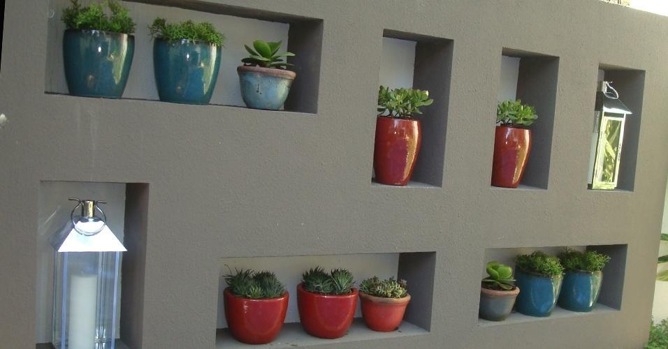 decoracao muros jardim:Jardim na estante é fácil de montar e ocupa pouco espaço; inspire