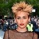 Miley Cyrus e Chris Brown são maus exemplos para crianças, diz pesquisa - Divulgação