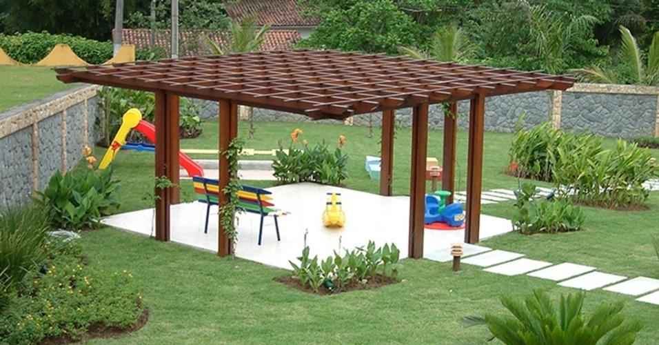 decoracao para jardim de sitio : decoracao para jardim de sitio: de madeira para abrigar um local de descanso e diversão em meio ao