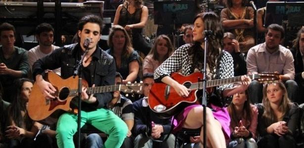 """Fiuk e Sophia Abrahão cantam juntos no """"Altas Horas"""""""